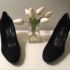 Franco Sarto black suede & leather heels! Classy!